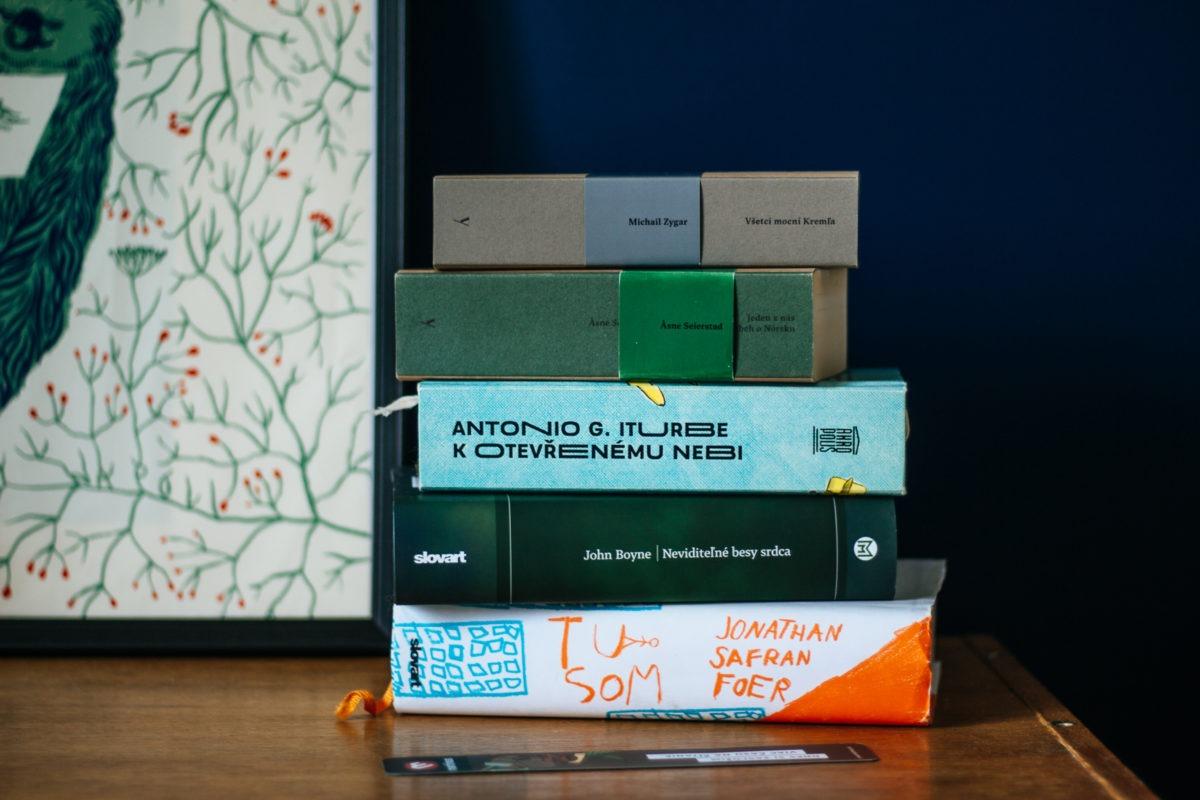 hrube knihy